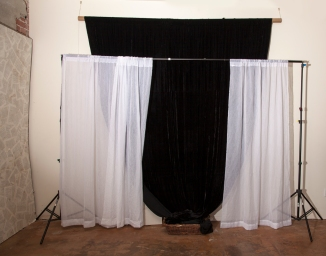 9 foot black velvet backdrop. 9 foot backdrop holder for any color seamless.